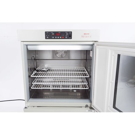 Sanyo Cooled Incubator MIR-153 126 L 141 W -10 +50°C Stainless Steel 3x Shelves